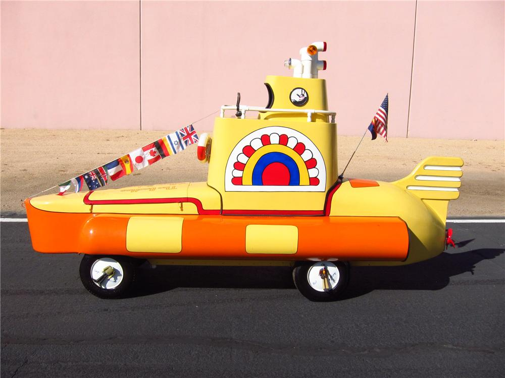 0 MOTORIZED YELLOW SUBMARINE - Side Profile - 137677