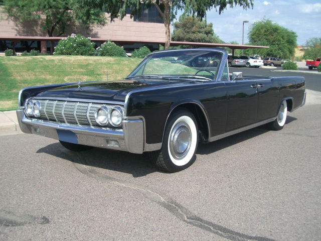 1964 LINCOLN CONTINENTAL CONVERTIBLE - Front 3/4 - 137679