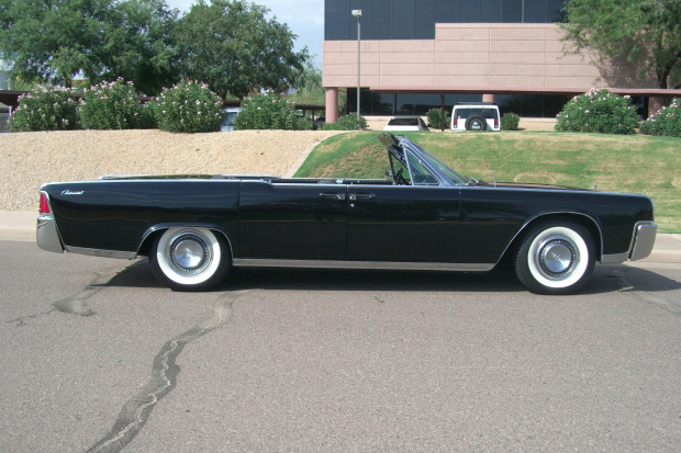 1964 LINCOLN CONTINENTAL CONVERTIBLE - Side Profile - 137679