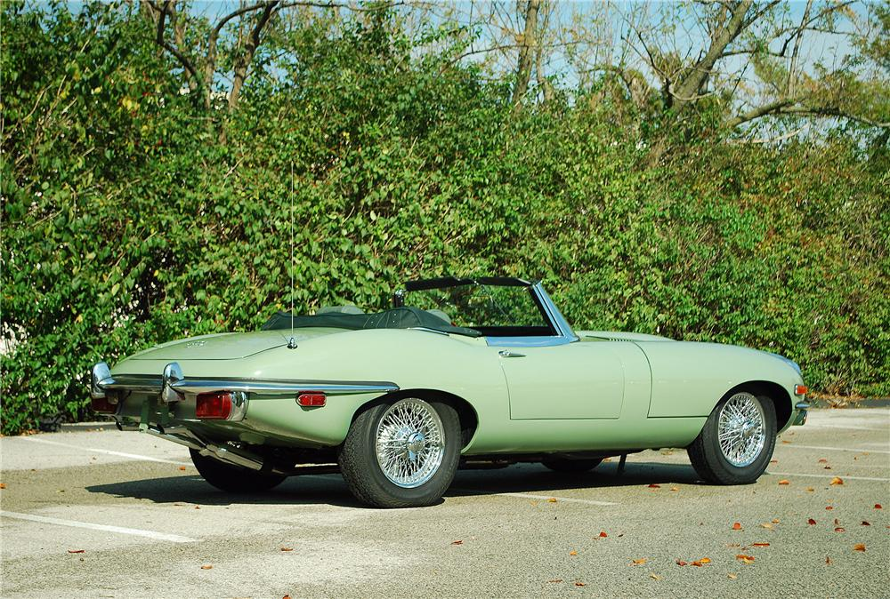 1969 JAGUAR XKE ROADSTER - Rear 3/4 - 137705