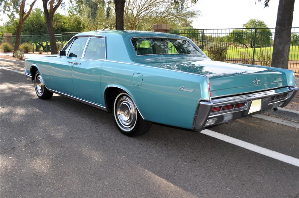 1966 LINCOLN CONTINENTAL 4 DOOR SEDAN - Rear 3/4 - 137706