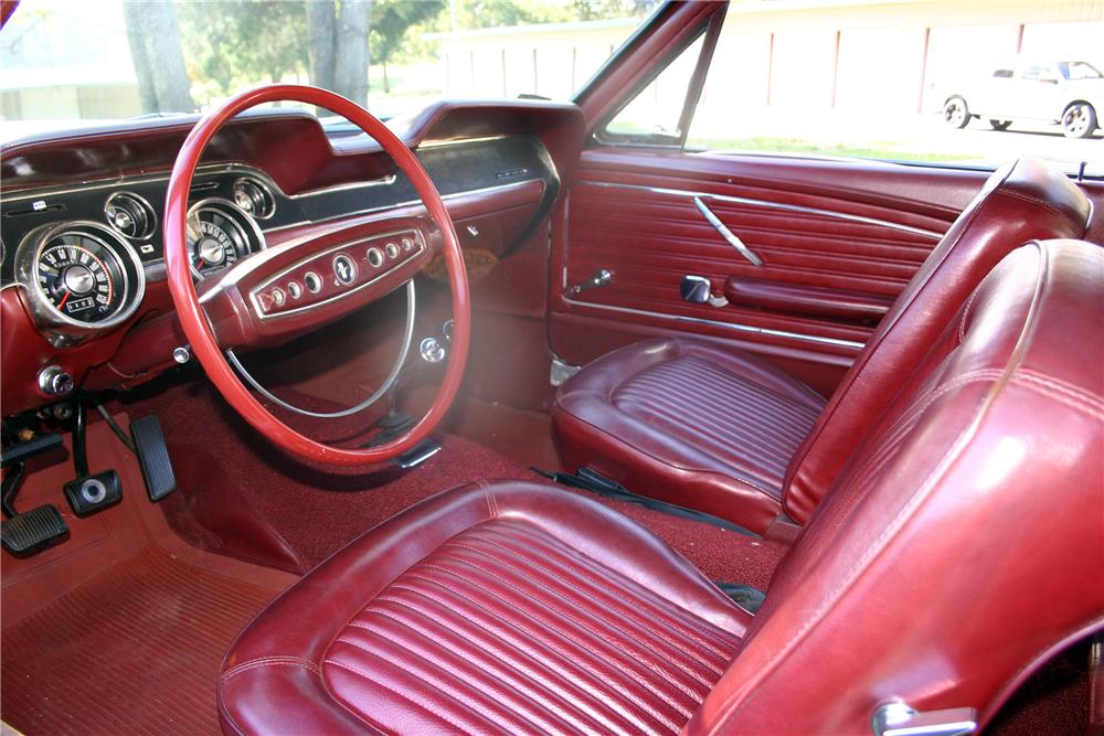 1968 FORD MUSTANG 428 CJ FASTBACK - Interior - 137721