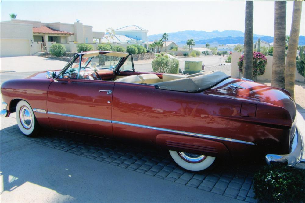 1950 FORD CUSTOM CONVERTIBLE - Side Profile - 137730