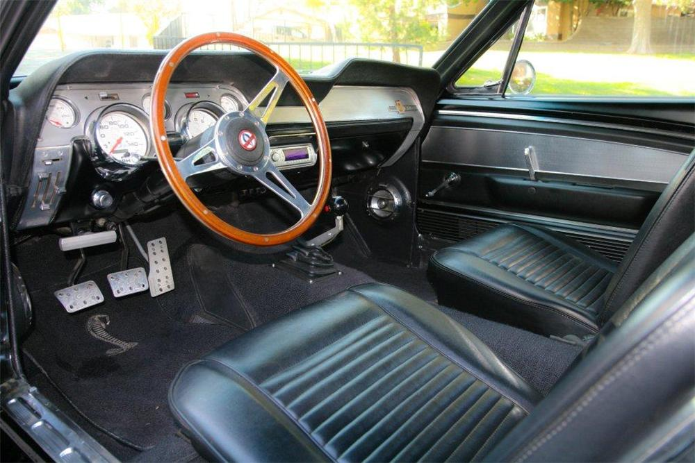 1968 FORD MUSTANG CUSTOM FASTBACK - Interior - 137743