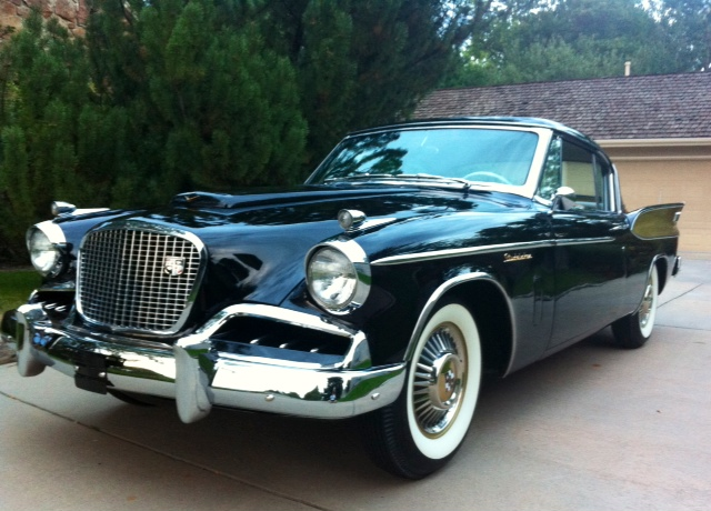 1957 STUDEBAKER GOLDEN HAWK COUPE - Front 3/4 - 137745