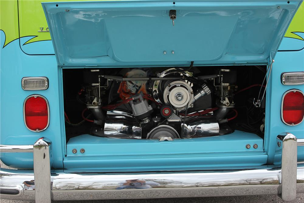 1967 VOLKSWAGEN 21 WINDOW CUSTOM BUS - Engine - 137751