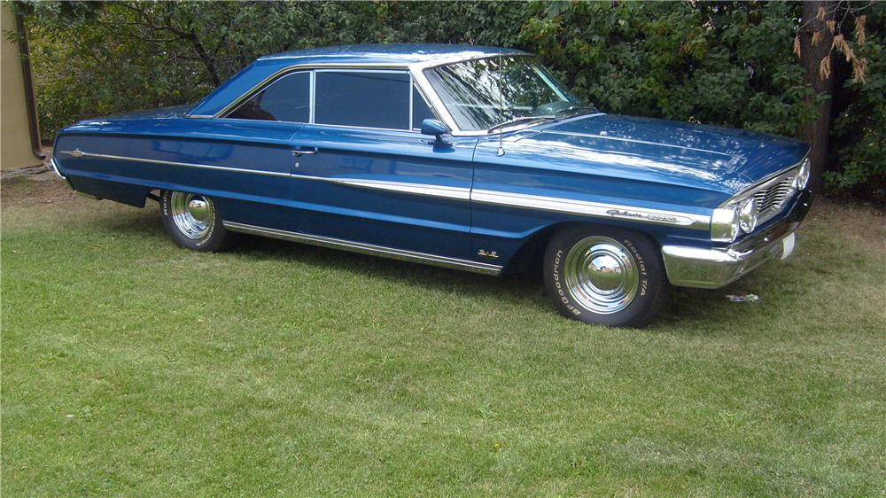 1964 FORD GALAXIE 500 XL FASTBACK - Front 3/4 - 137753