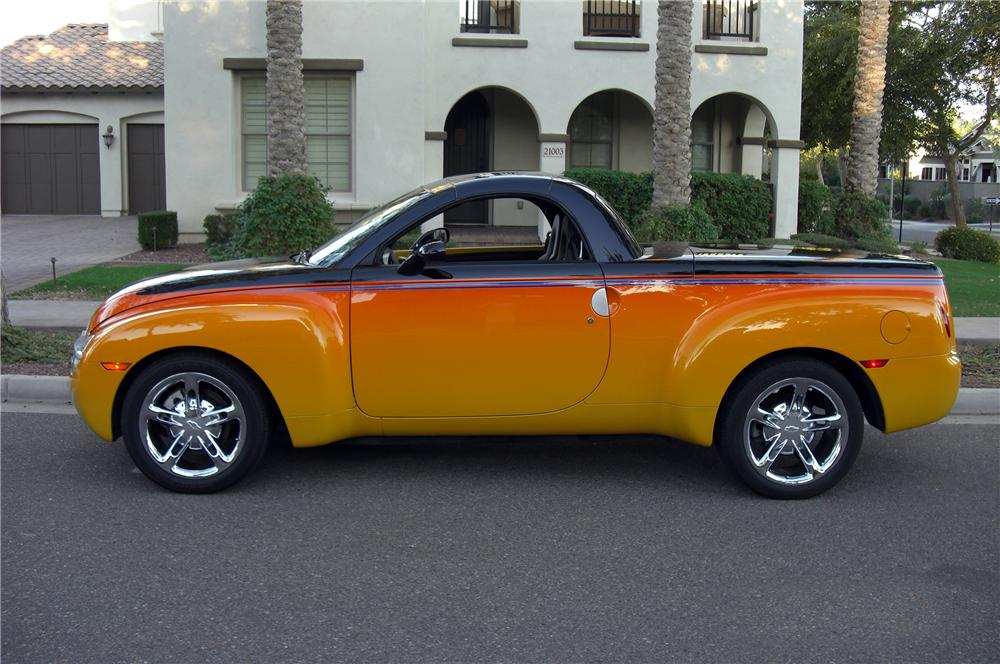 2003 CHEVROLET SSR PICKUP - Side Profile - 137756