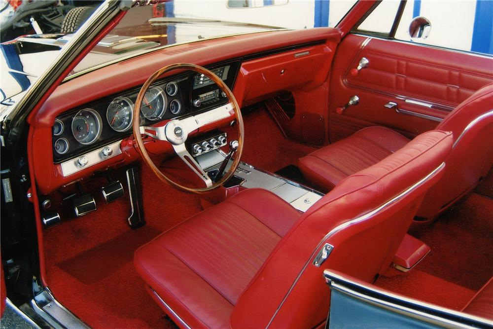 1967 CHEVROLET IMPALA SS CONVERTIBLE - Interior - 137767