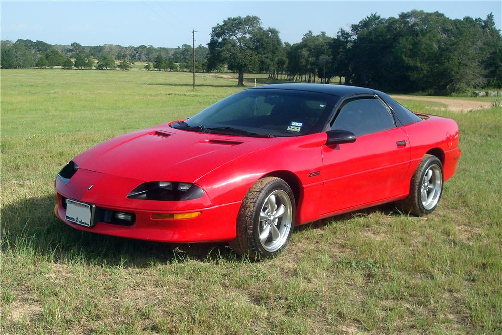1996 CHEVROLET CAMARO 2 DOOR COUPE - Front 3/4 - 137768