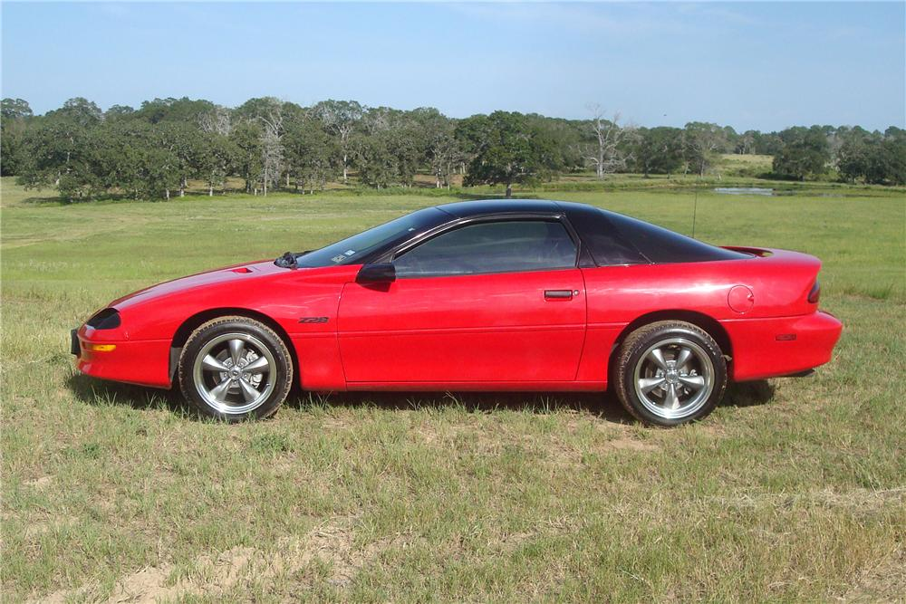 1996 CHEVROLET CAMARO 2 DOOR COUPE - Side Profile - 137768