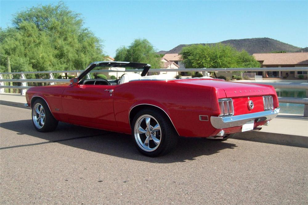 1970 FORD MUSTANG CONVERTIBLE - Rear 3/4 - 137772