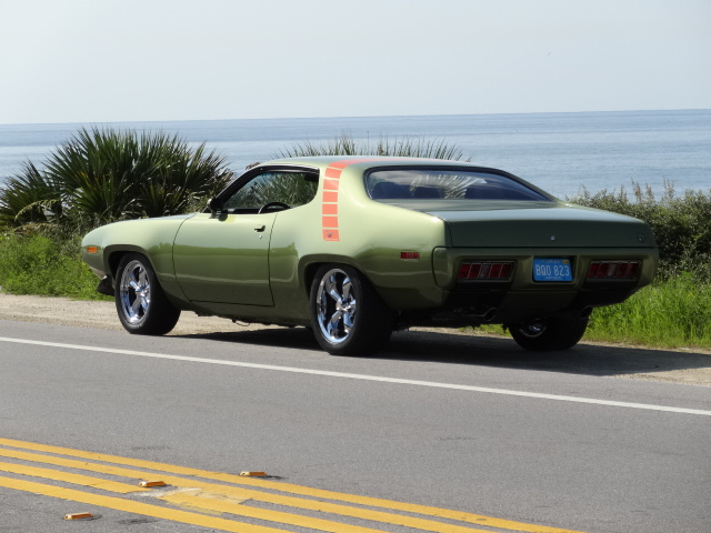1971 PLYMOUTH ROAD RUNNER CUSTOM 2 DOOR HARDTOP - Rear 3/4 - 137774