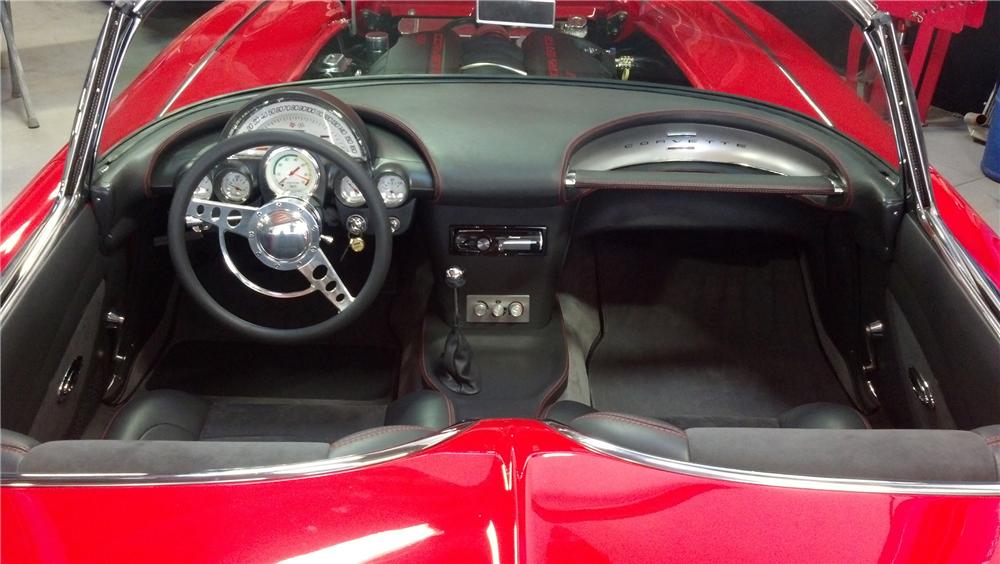 1961 CHEVROLET CORVETTE CUSTOM CONVERTIBLE - Interior - 137781