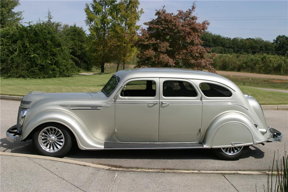 1937 CHRYSLER AIRFLOW CUSTOM 4 DOOR SEDAN - Side Profile - 137782