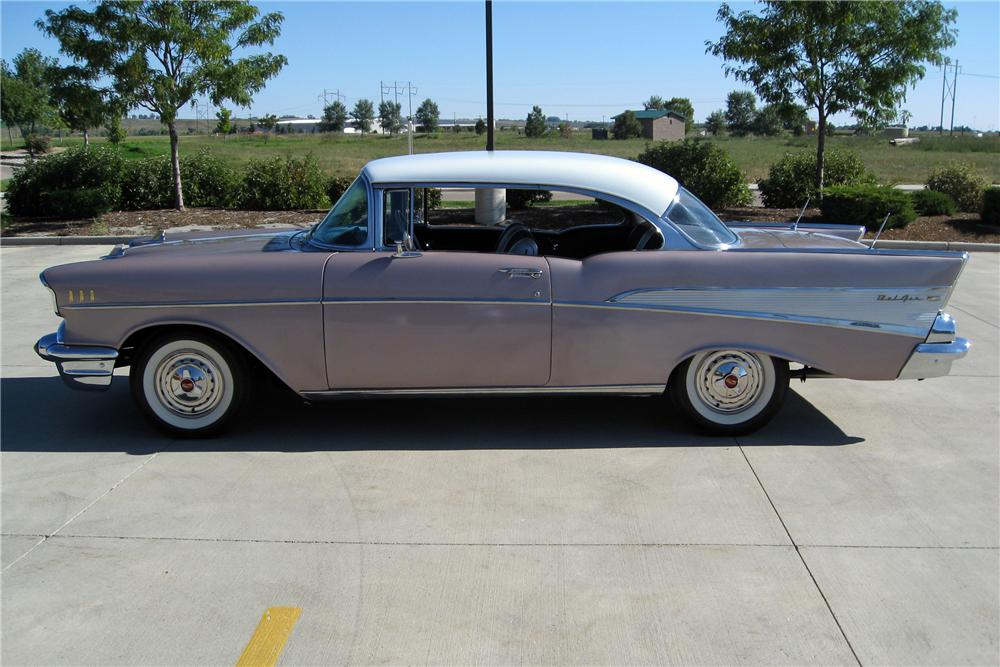 1957 CHEVROLET BEL AIR 2 DOOR HARDTOP - Side Profile - 137792