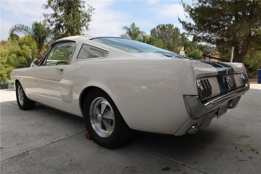 1965 FORD MUSTANG CUSTOM FASTBACK - Rear 3/4 - 137793