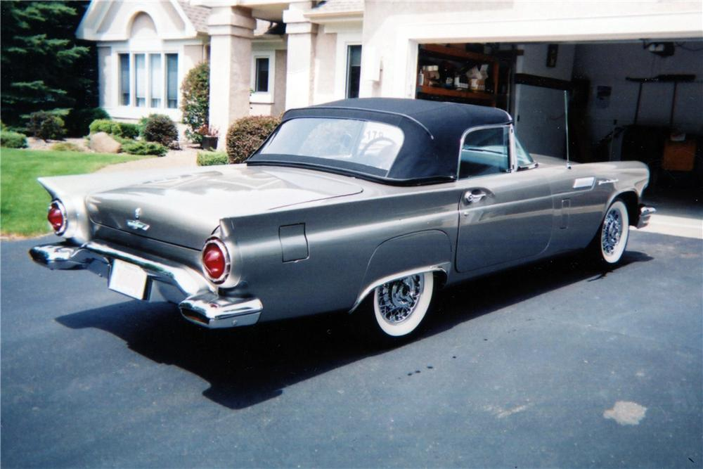 1957 FORD THUNDERBIRD CONVERTIBLE - Rear 3/4 - 137806