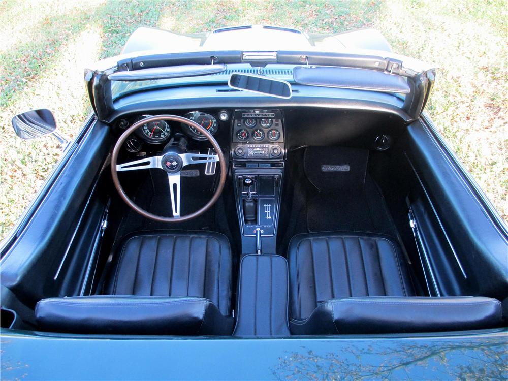 1968 CHEVROLET CORVETTE CONVERTIBLE - Interior - 137810