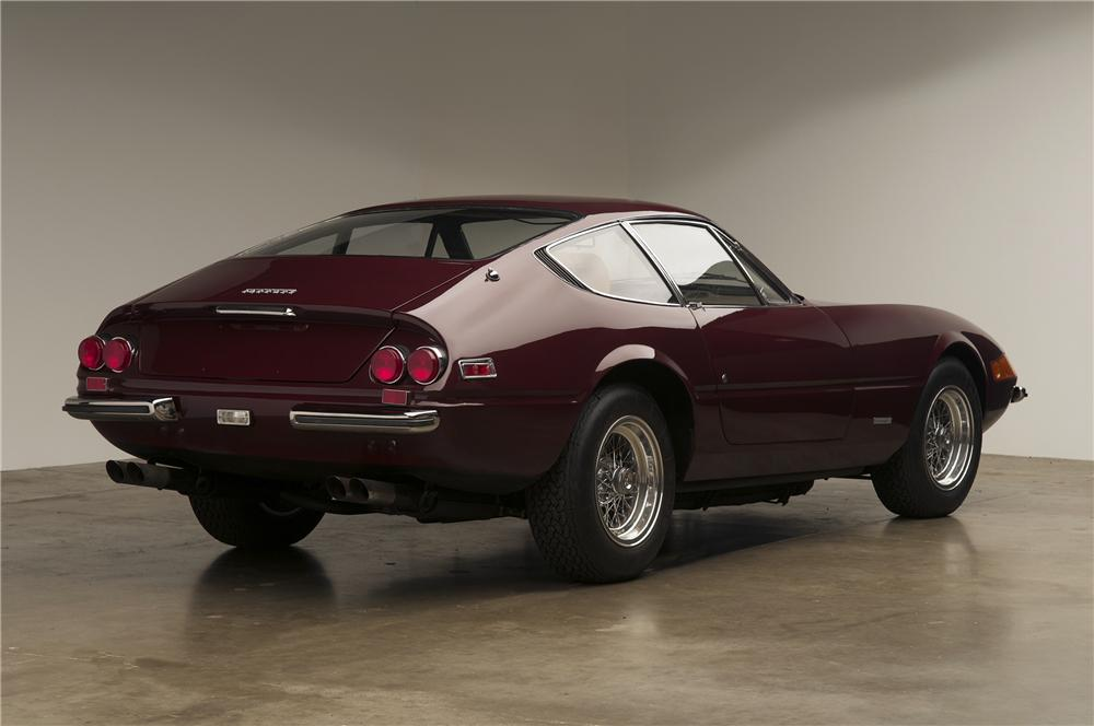 1972 FERRARI 365 GTB/4 DAYTONA 2 DOOR COUPE - Rear 3/4 - 137816
