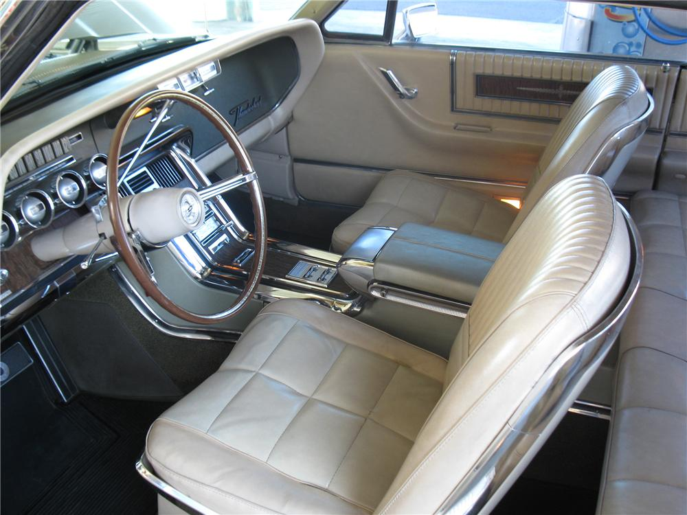 1966 FORD THUNDERBIRD 2 DOOR HARDTOP - Interior - 137832