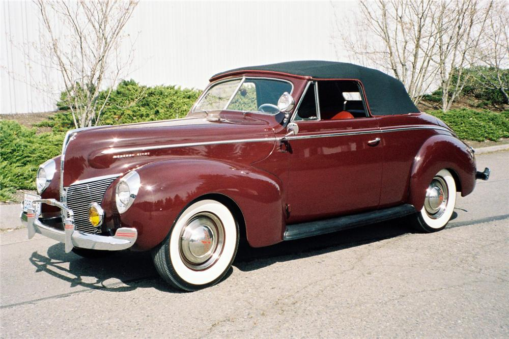 1940 MERCURY CONVERTIBLE - Front 3/4 - 137837