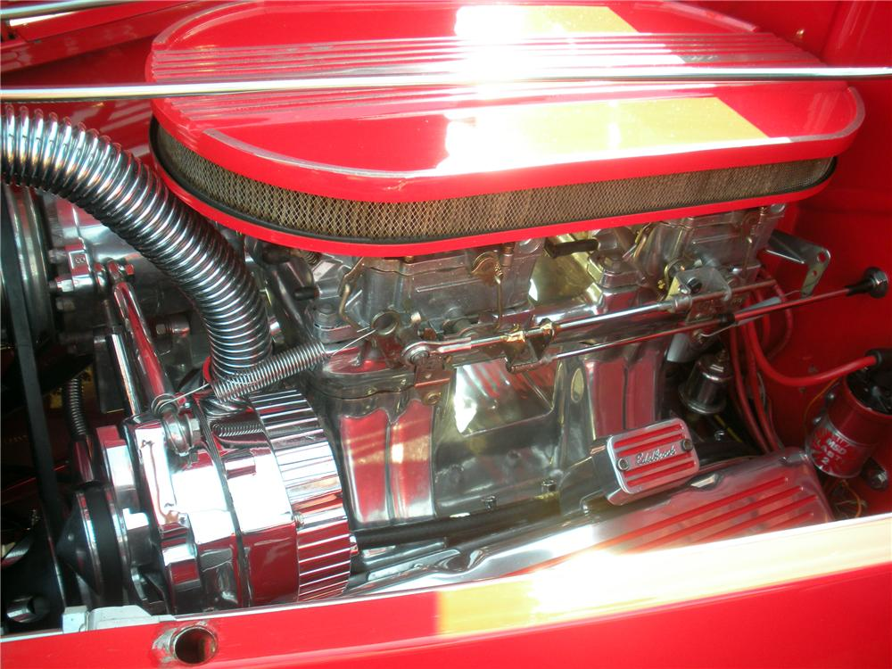 1932 FORD DELUXE 3-WINDOW COUPE - Engine - 137838