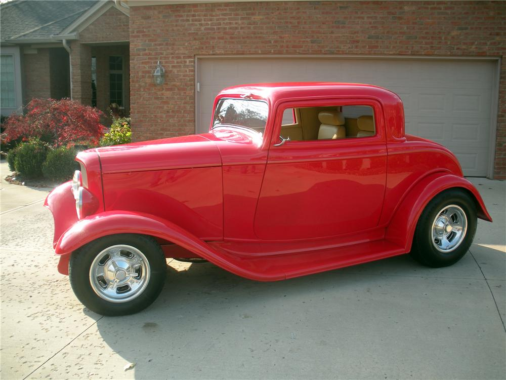 1932 FORD DELUXE 3-WINDOW COUPE - Side Profile - 137838