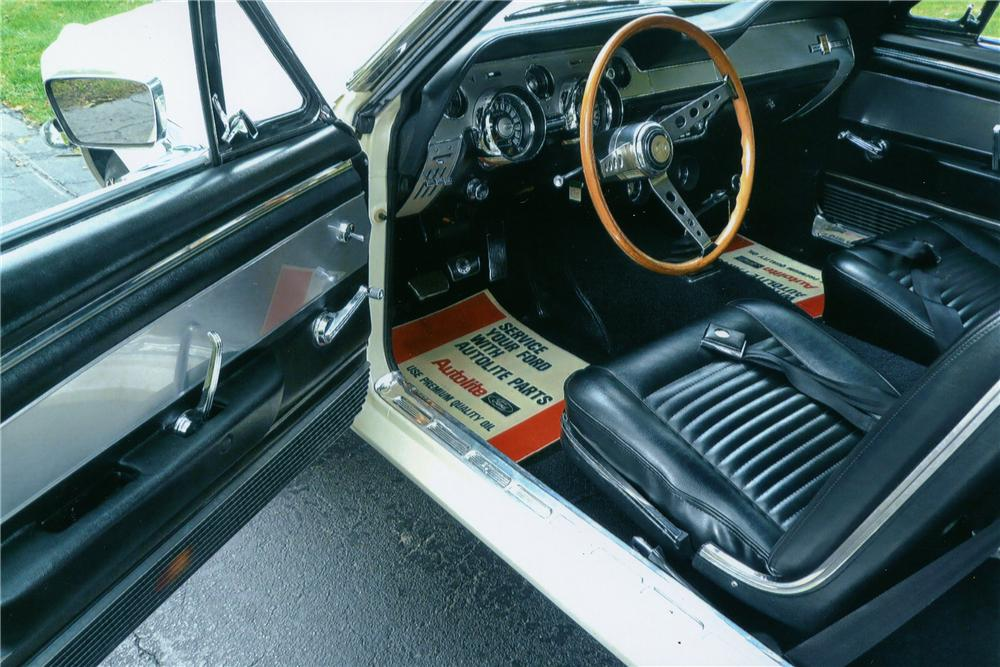 1967 SHELBY GT350 FASTBACK - Interior - 137865