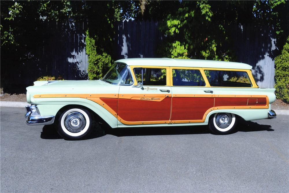 1957 FORD COUNTRY SQUIRE STATION WAGON - Side Profile - 137893