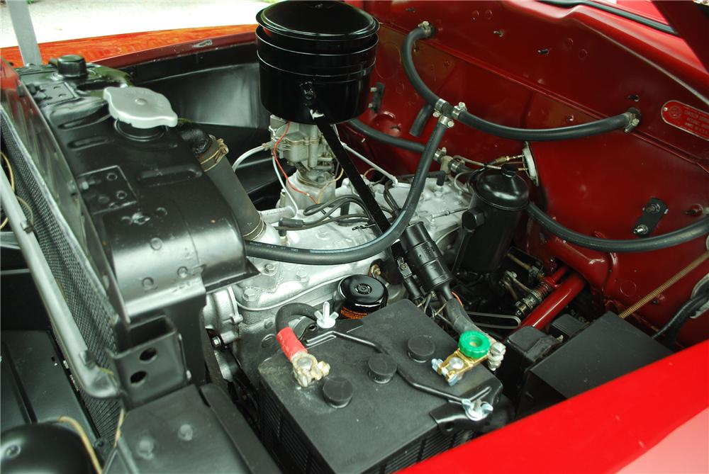 1947 CHRYSLER WINDSOR CONVERTIBLE - Engine - 137912