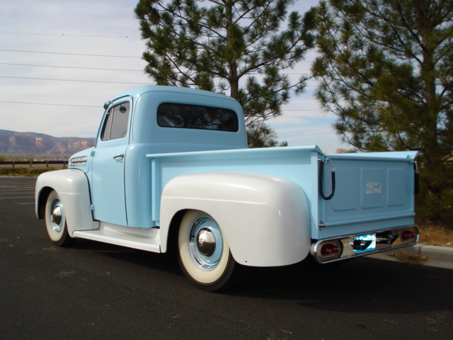 1951 FORD F-3 CUSTOM PICKUP - Rear 3/4 - 137928