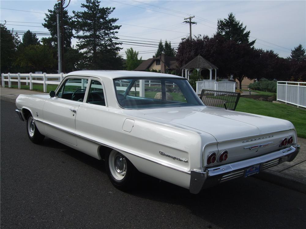 1964 CHEVROLET BISCAYNE CUSTOM 2 DOOR SEDAN - Rear 3/4 - 137941