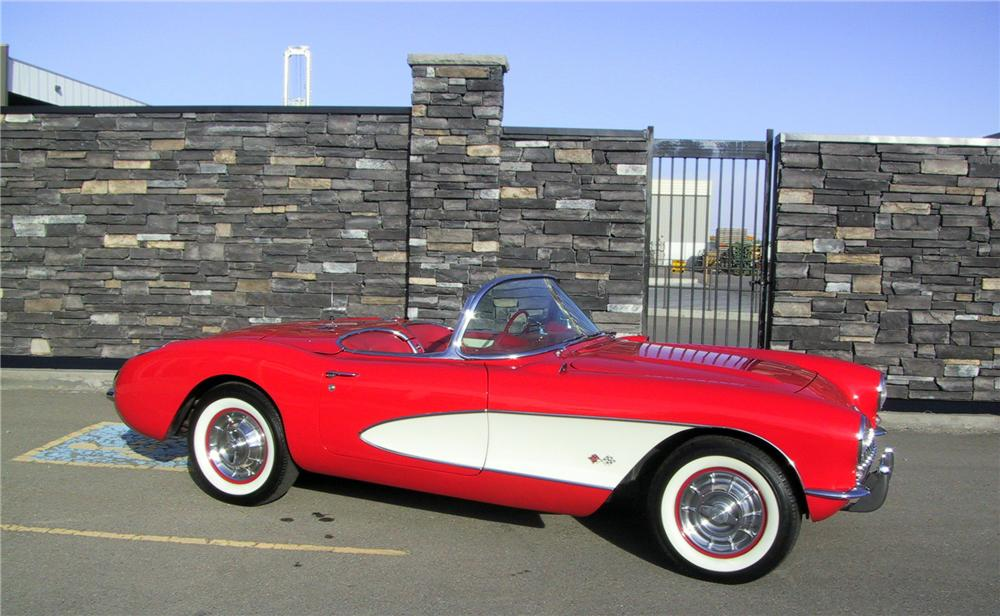 1957 CHEVROLET CORVETTE CONVERTIBLE - Side Profile - 137947