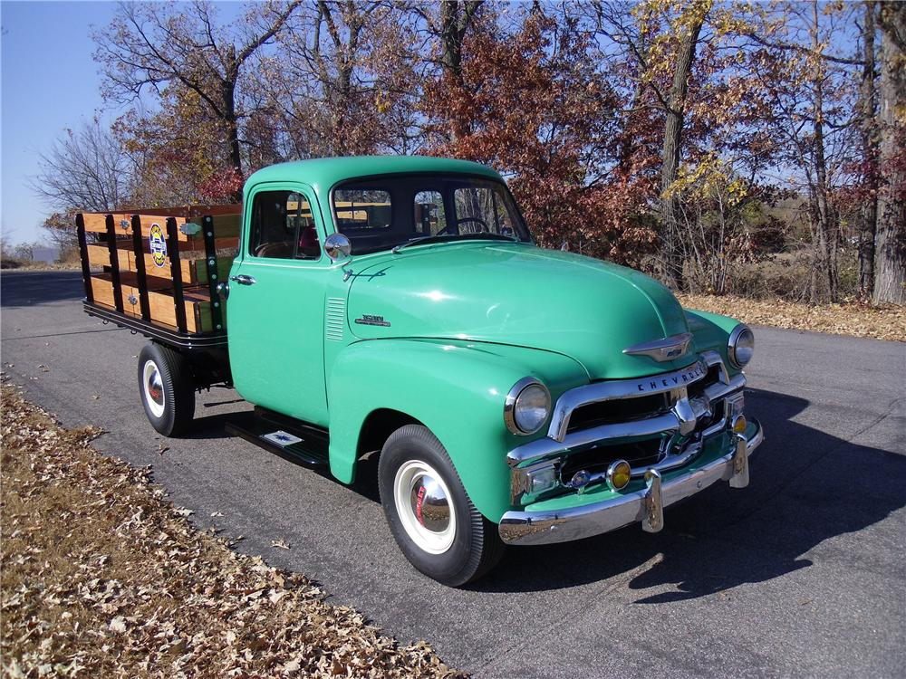 1954 CHEVROLET 3600 PICKUP - Front 3/4 - 137958