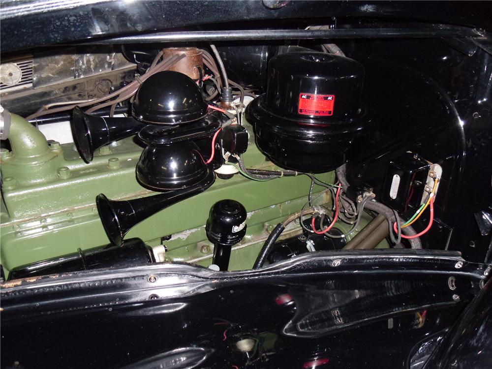 1939 PACKARD SUPER 8 4 DOOR SEDAN - Engine - 137970