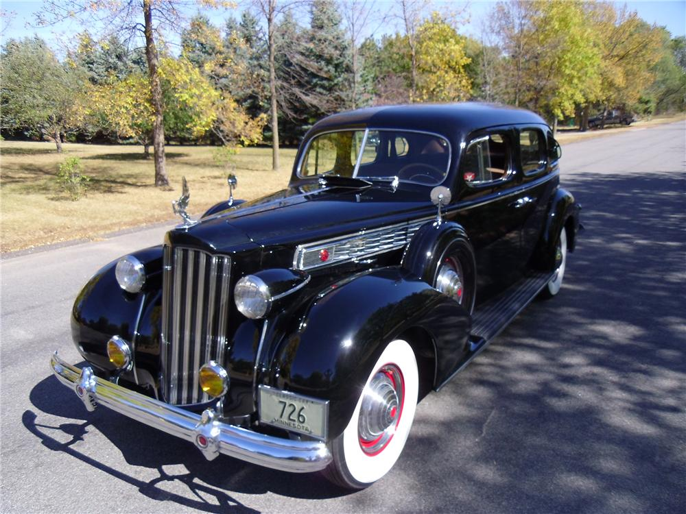 1939 PACKARD SUPER 8 4 DOOR SEDAN - Front 3/4 - 137970