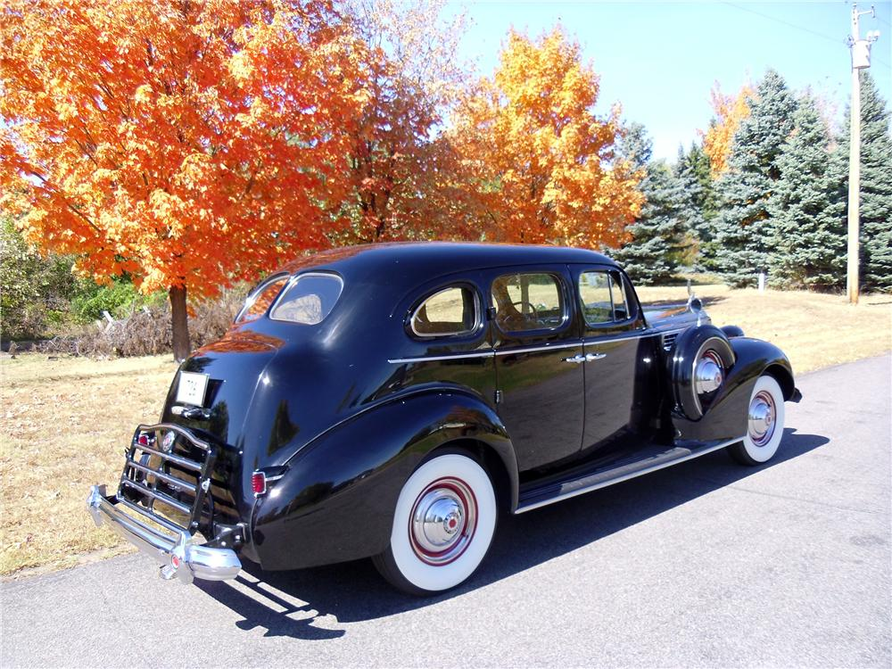 1939 PACKARD SUPER 8 4 DOOR SEDAN - Side Profile - 137970