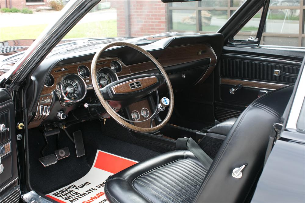 1968 SHELBY GT500 KR CONVERTIBLE - Interior - 137976