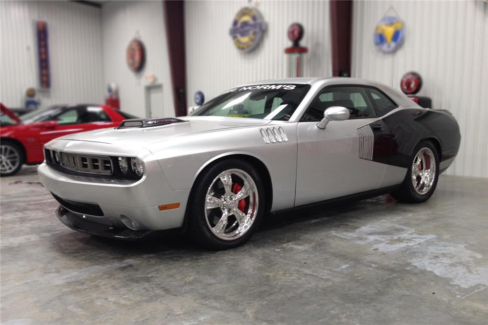 2009 DODGE CHALLENGER CUSTOM 2 DOOR COUPE - Front 3/4 - 137998