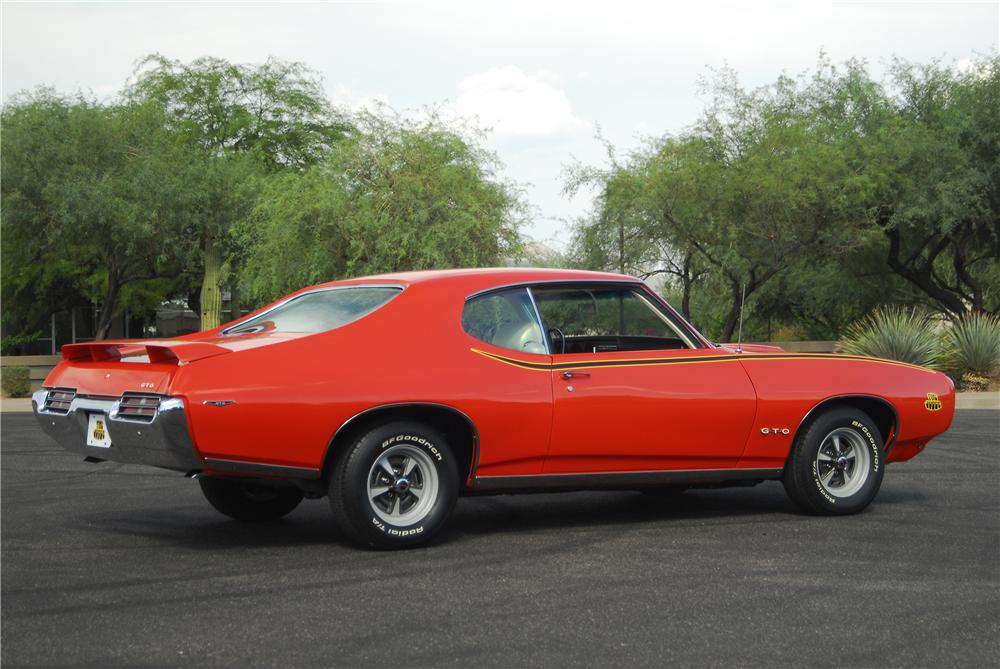 1969 PONTIAC GTO JUDGE 2 DOOR COUPE - Rear 3/4 - 138005
