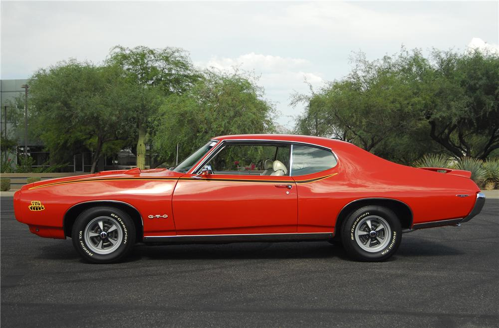 1969 PONTIAC GTO JUDGE 2 DOOR COUPE - Side Profile - 138005