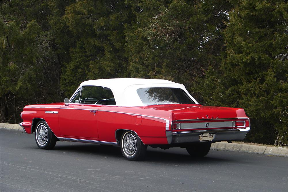 1963 BUICK SKYLARK CONVERTIBLE - Rear 3/4 - 138011