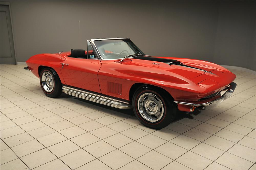 1967 CHEVROLET CORVETTE CONVERTIBLE - Front 3/4 - 138018