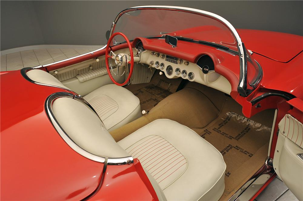 1955 CHEVROLET CORVETTE CONVERTIBLE - Interior - 138019