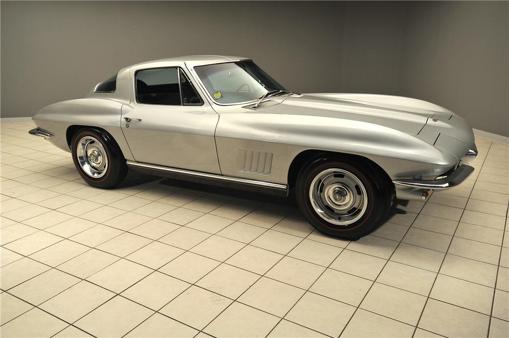 1967 CHEVROLET CORVETTE 2 DOOR COUPE - Front 3/4 - 138023