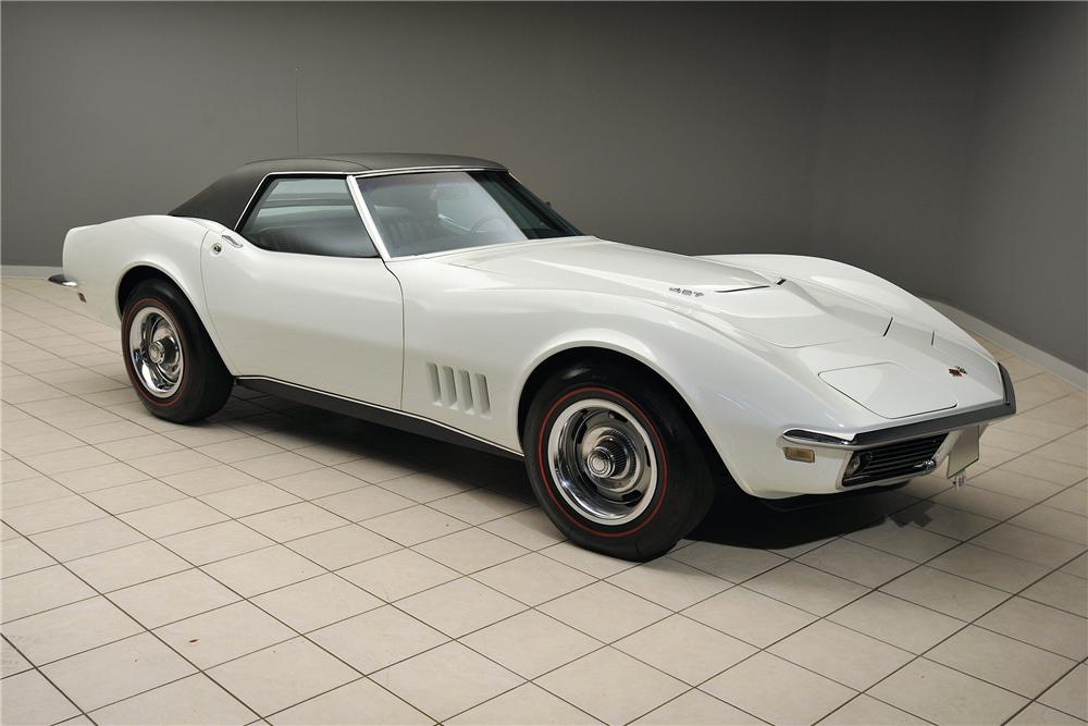 1968 CHEVROLET CORVETTE CONVERTIBLE - Front 3/4 - 138025