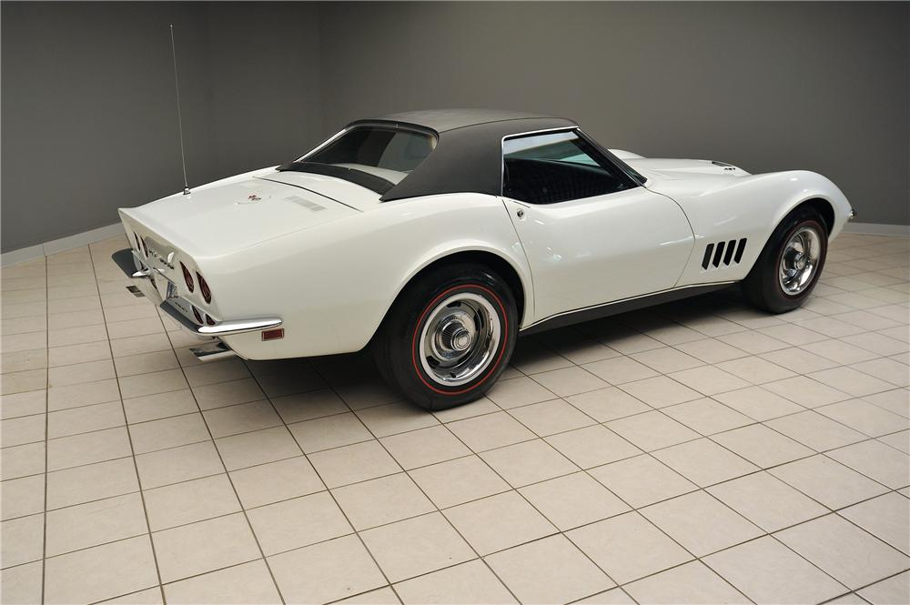 1968 CHEVROLET CORVETTE CONVERTIBLE - Rear 3/4 - 138025