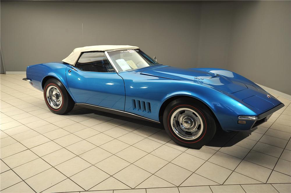 1968 CHEVROLET CORVETTE CONVERTIBLE - Front 3/4 - 138029