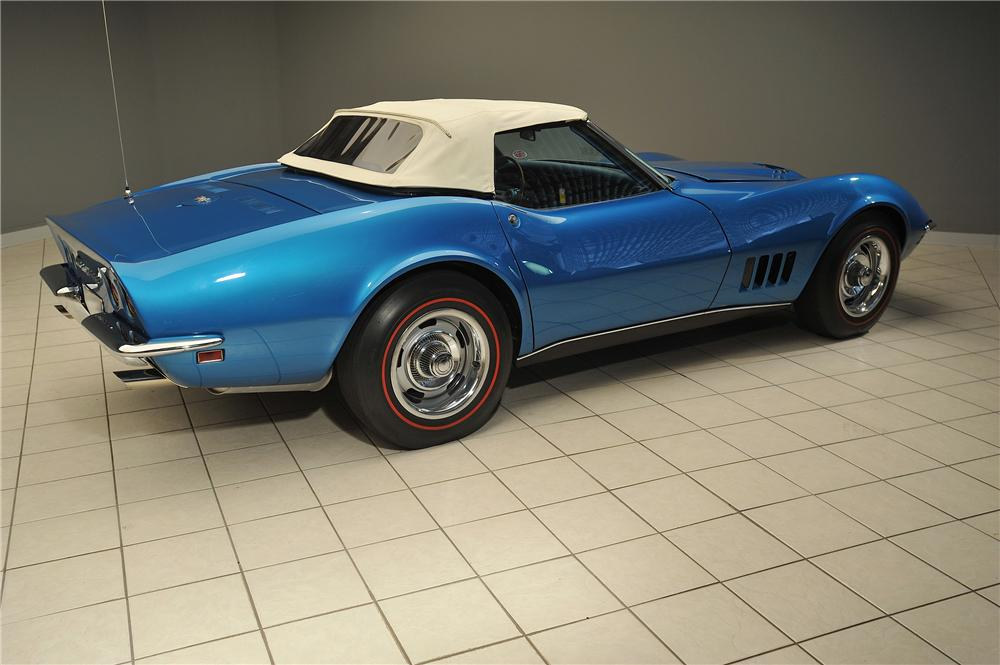 1968 CHEVROLET CORVETTE CONVERTIBLE - Rear 3/4 - 138029
